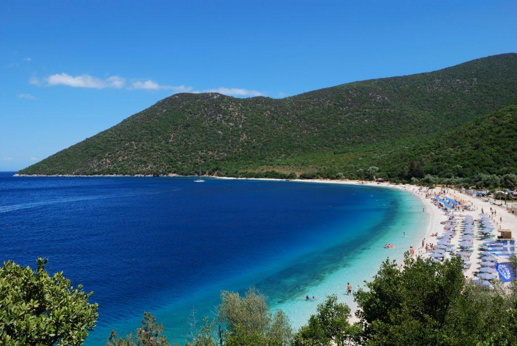 beach_Antisamos-559b89d053880
